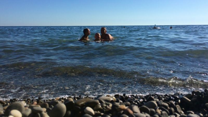 Купаемся на диком пляже в Прасковеевке