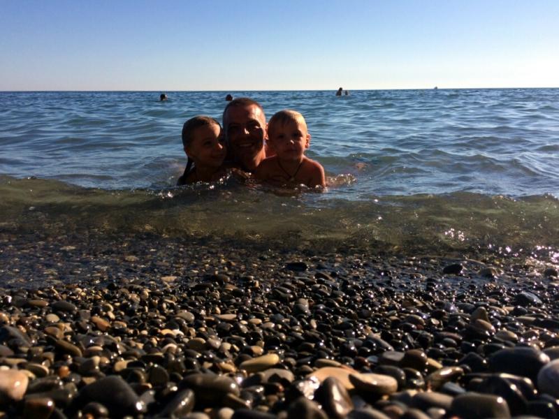 Купаемся на пляже в Прасковеевке