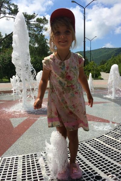 Я у фонтана в Абрау-Дюрсо