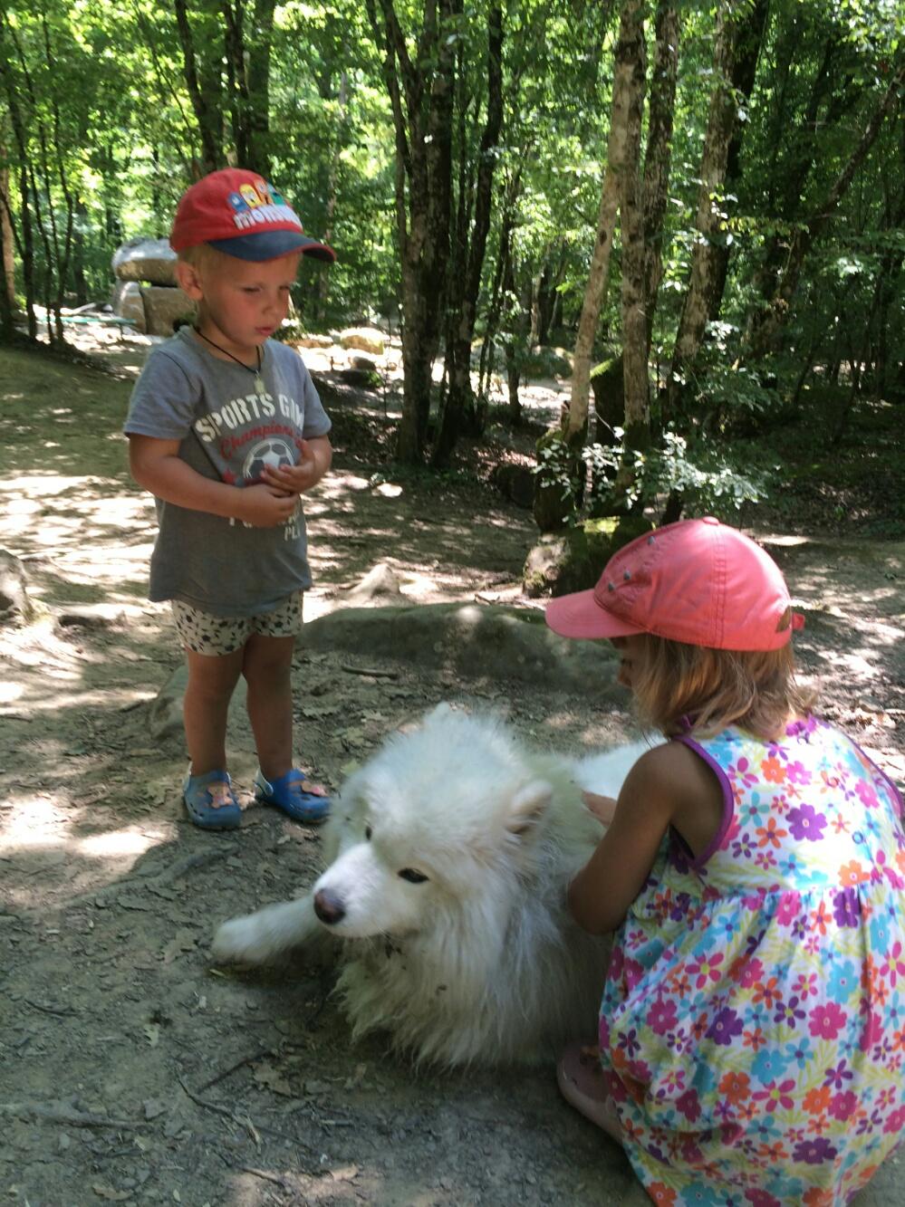 С белым волчонком возле дольменов