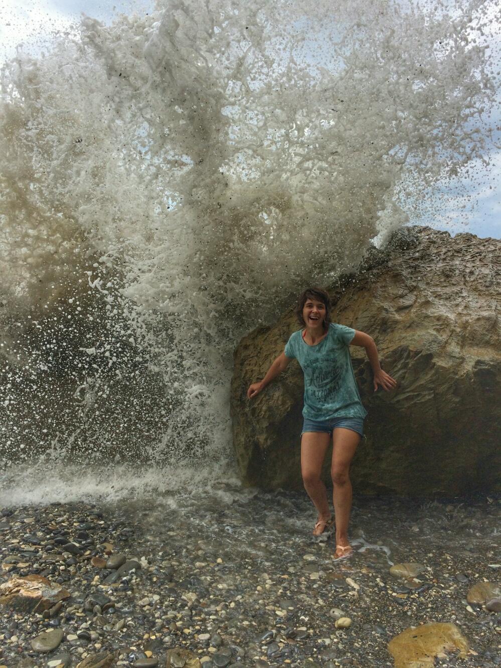 Маму накрывает волна