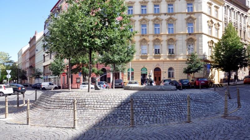 Небольшой фонтанчик в Праге
