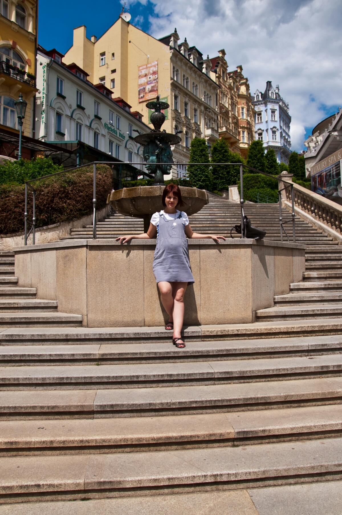 У фонтана в Карловых Варах