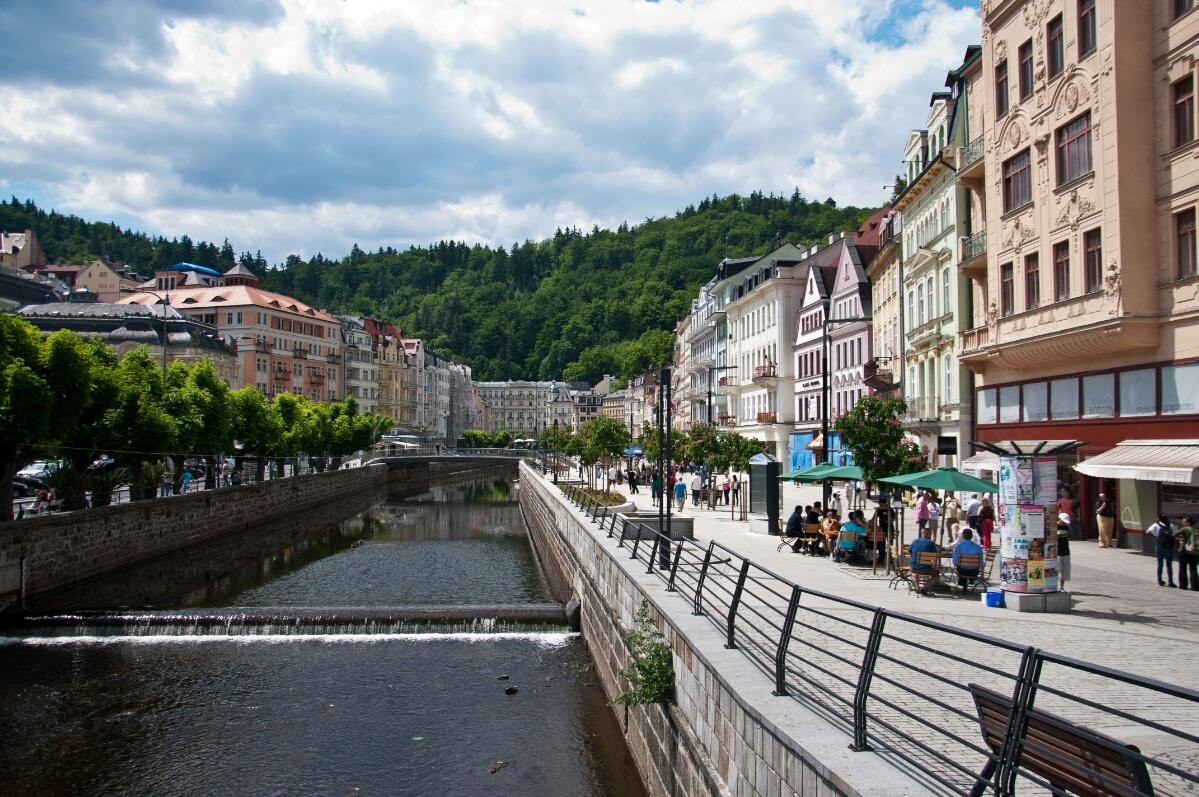 Проститутки На Прага-карловы Вары Расстояние