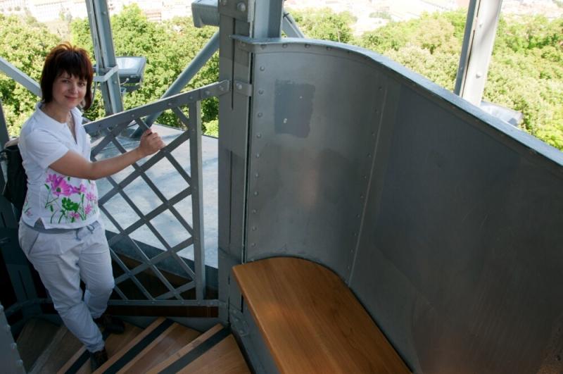 Подъём по винтовой лестнице