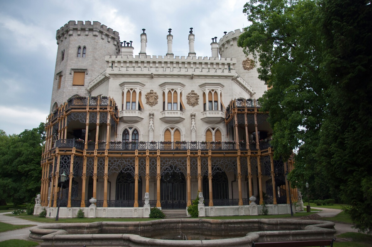 Задний вход в замок Глубока-над-Влтавой