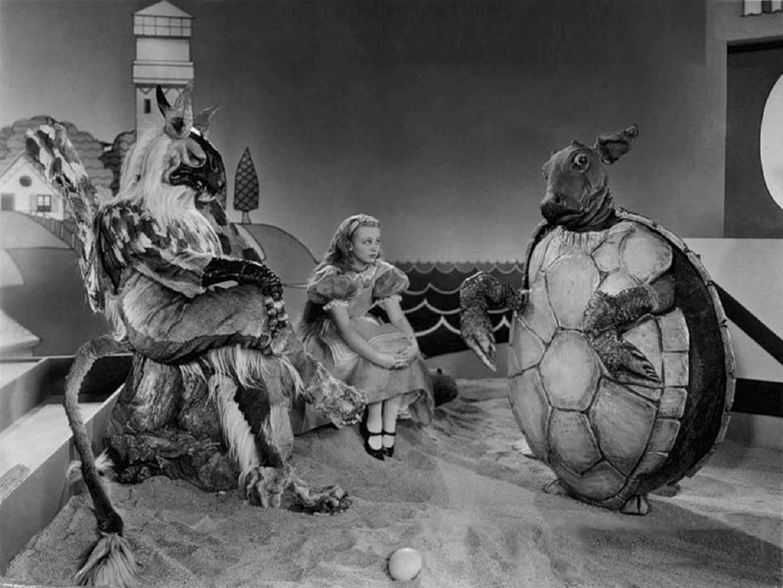 Кадр из фильма «Алиса в стране чудес» Нормана Маклеода, 1933 год