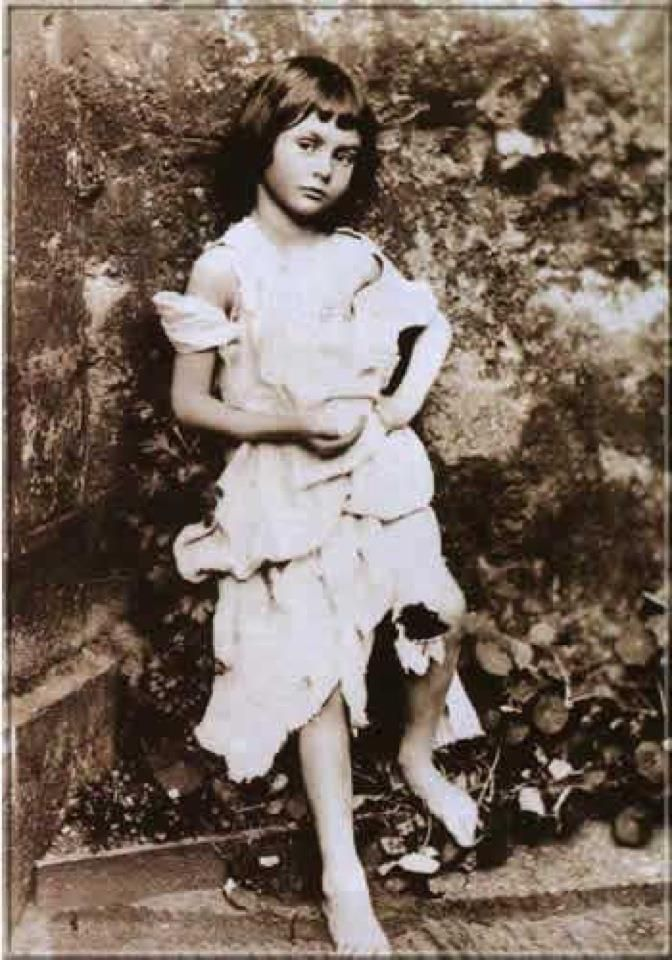 Алиса Лидделл — прототип персонажа Алисы, 1858 год