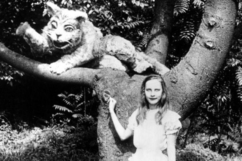 Виола Савой в роли Алисы в фильме В.В. Янга «Алиса в стране чудес», 1915 год.