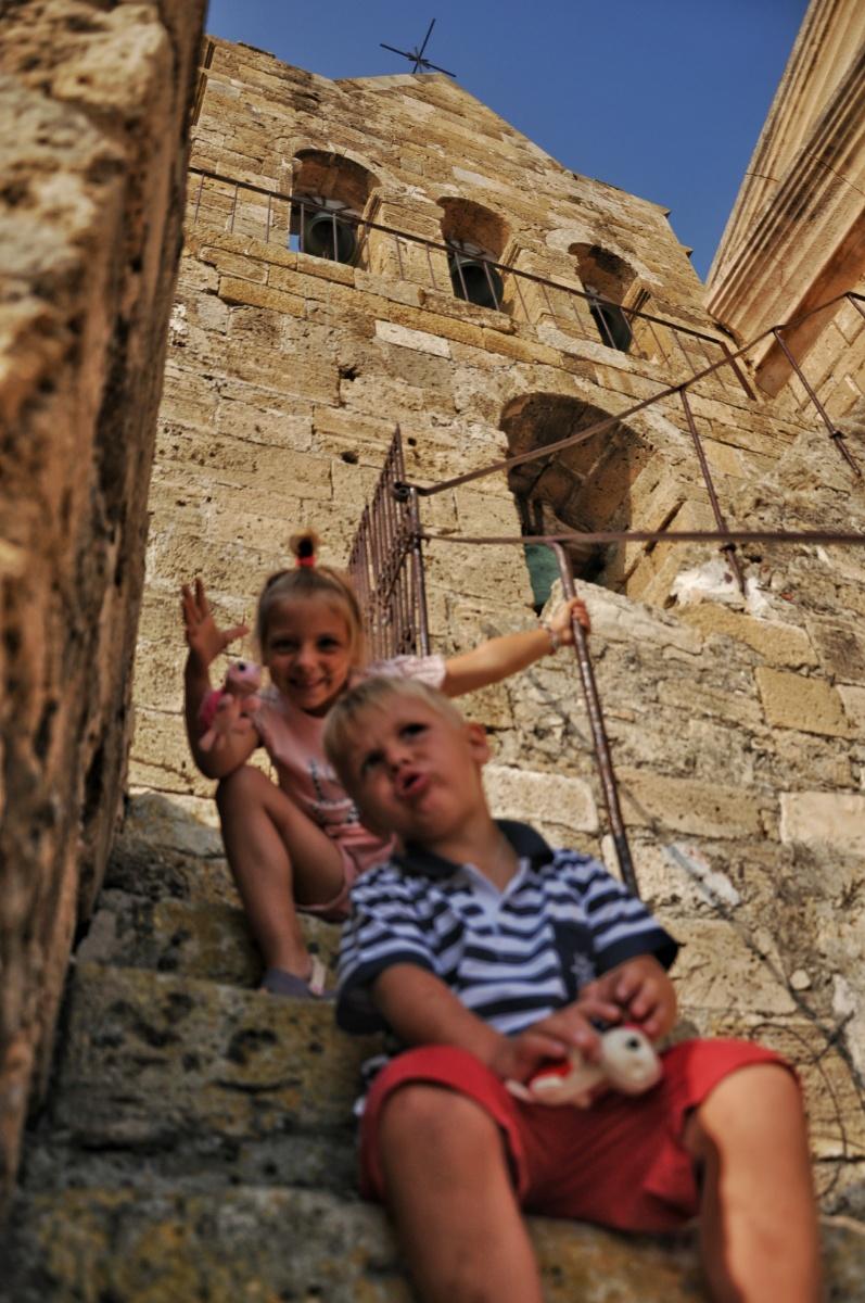 На ступенях колокольни
