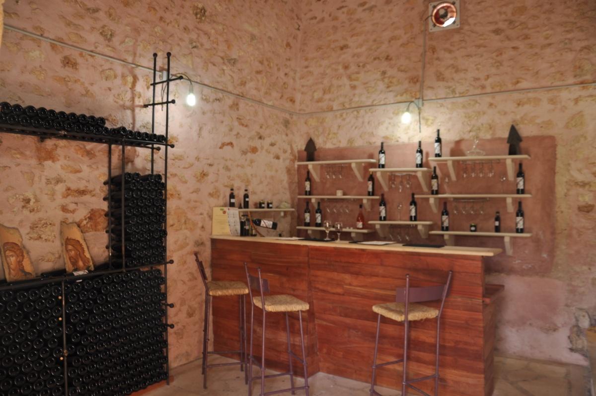 Дегустационный зал винотерии Art & wine