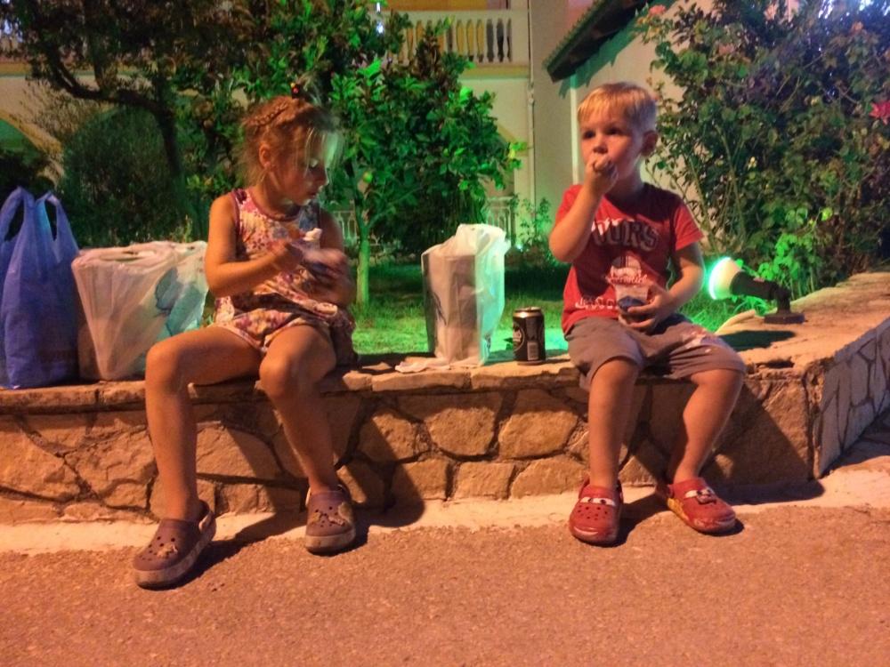 Едим мороженое в Циливи