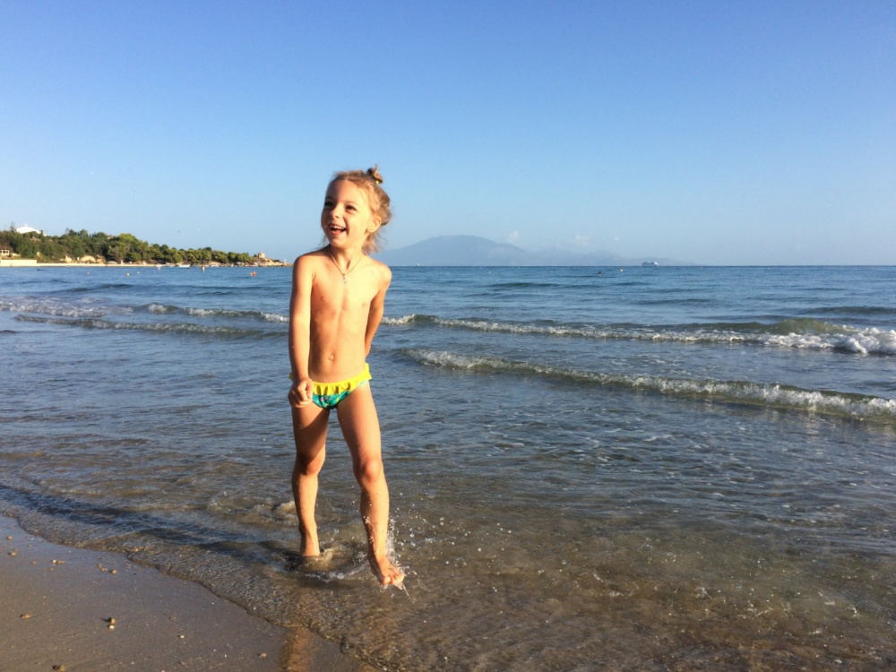 Вышагиваю по пляжу в Циливи