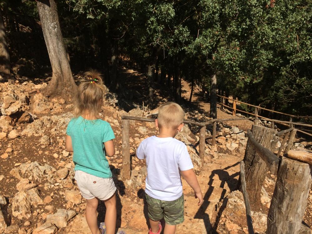 По каменистым тропам парка Аскос