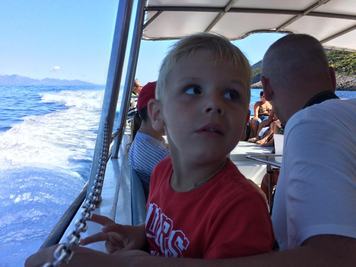 Плывём в бухту Навайо