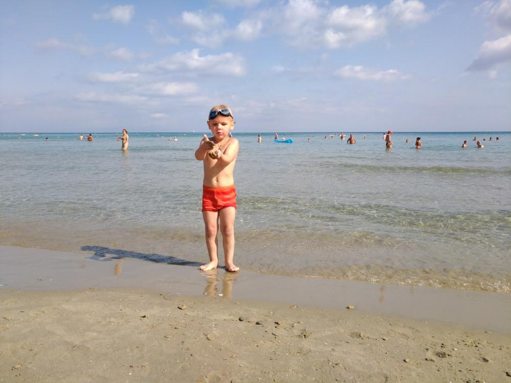 Тёма на пляже в Циливи