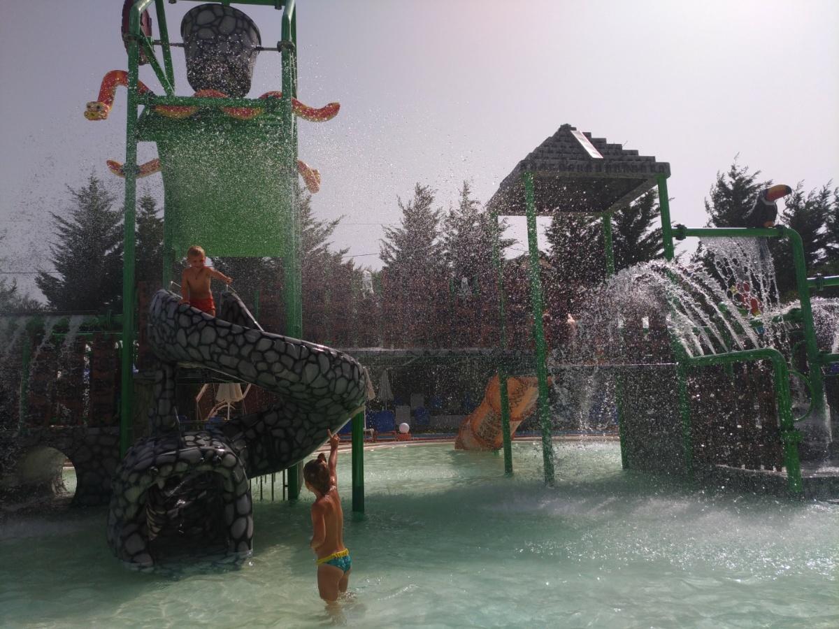 Катаемся с горок в аквапарке Tsilivi Water Park