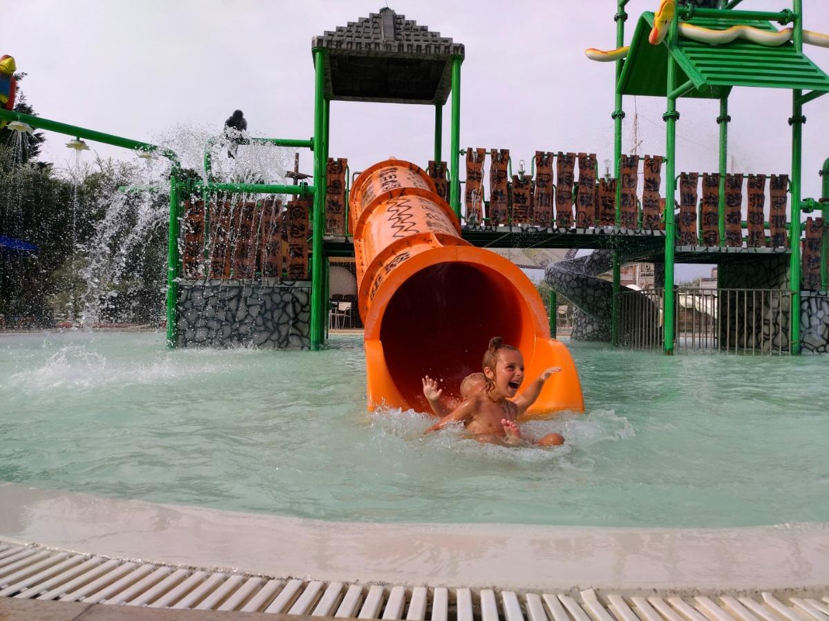 Катаемся на горках в аквапарке Tsilivi Water Park