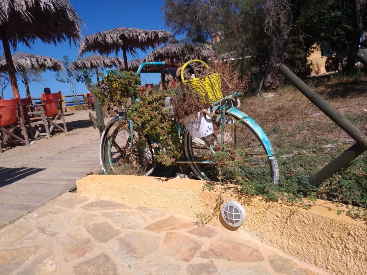 Велосипед в таверне Paradisos